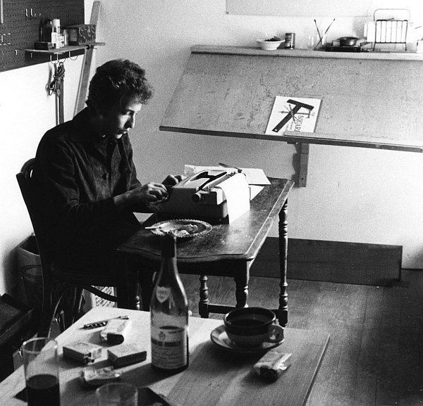 You don't have to be Bob Dylan to benefit from expressive writing